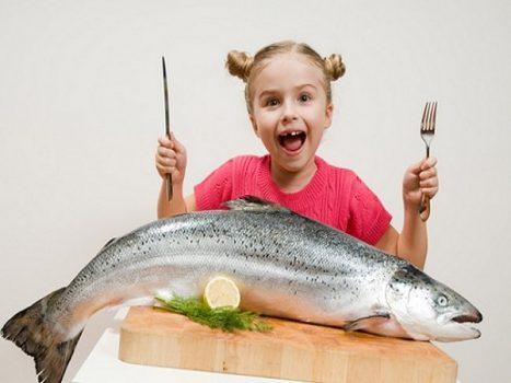 Mơ thấy ăn cá mang lại cho bạn những điềm báo gì?