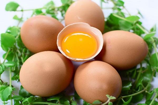 Giải mã điềm báo mơ thấy trứng gà