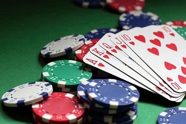 Điềm báo mơ thấy cờ bạc