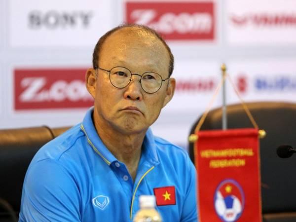HLV Park Hang Seo liệu có giảm lương để giúp bóng đá Việt Nam