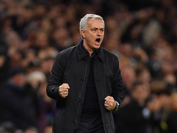 Tin bóng đá MU 19/3: Cựu sao MU bênh vực Mourinho