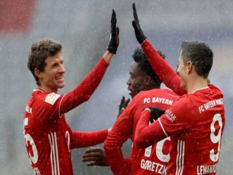 Tin bóng đá Đức 19/1: Bayern vô địch lượt đi chưa thuyết phục