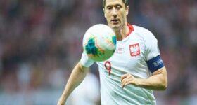 Tin bóng đá trưa 15/7: HLV trưởng Bayern lên tiếng về Lewandowski
