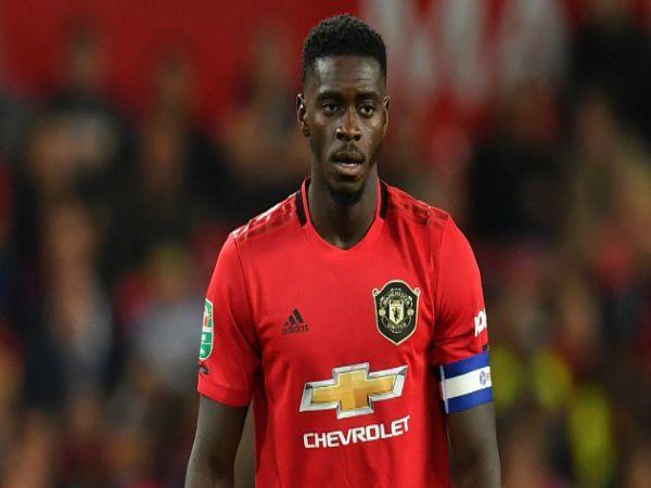 Tin bóng đá trưa 5/8: Aston Villa sắp ký hợp đồng với Axel Tuanzebe
